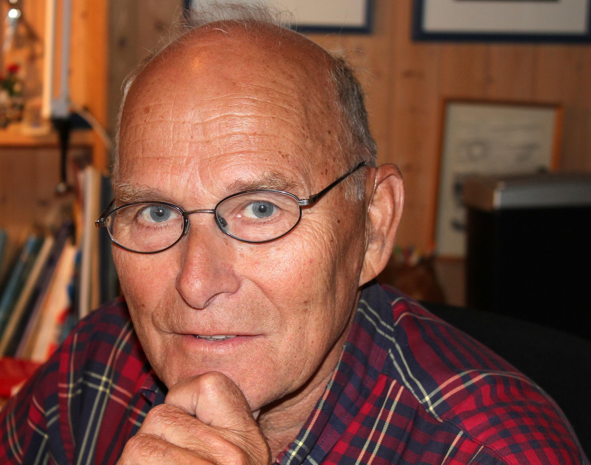 Dikteren Helge Stangnes. Foto: Hilde Kat. Eriksen